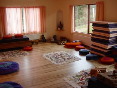 Consejos para hacer una habitaci n de meditaci n - Como decorar una habitacion para hacer yoga ...