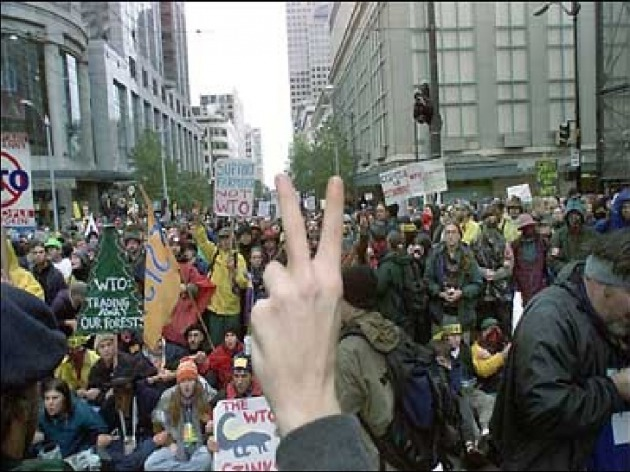 Image result for protestas Seattle en 1999, capitalismo mundial